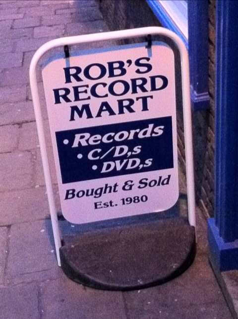 Apostrophe catastrophe at Rob's Records, Hurt's Yard, Nottingham